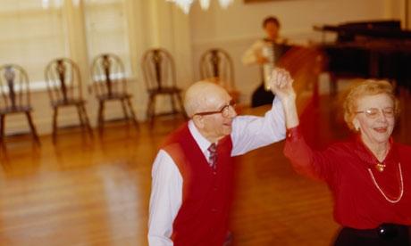 Older-people-dancing-008